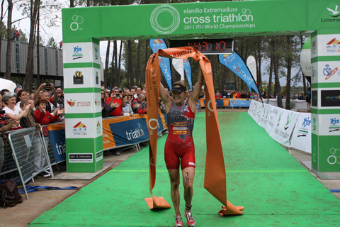 Melanie McQuaid, Campiona del Món de Triatló Cross